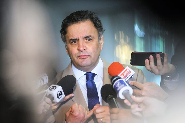 Aécio-Neves-600x400