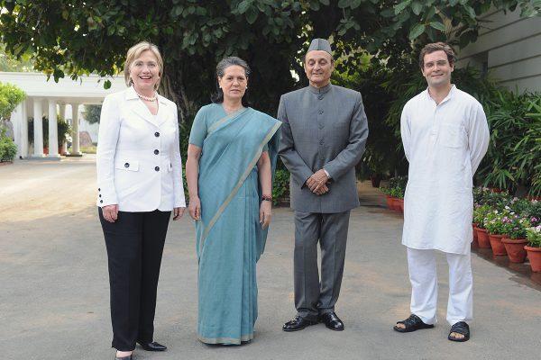 Hillary-Clinton-Sonia-Rahul-Gandhi-600x400.jpg