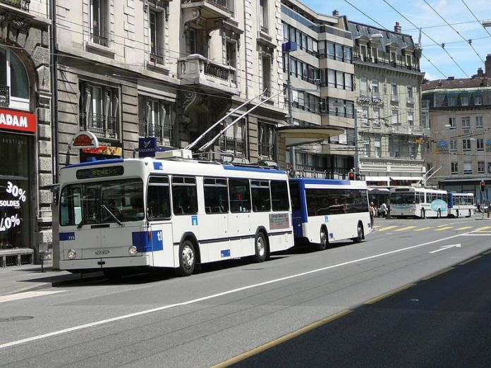 800px-Trolleybus_Lausanne